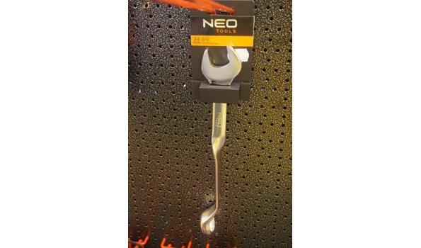 Neo steek/ringsleutel gedraaid 24mm