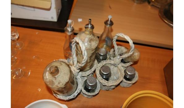 Soepkommen en peper en zout stelletjes
