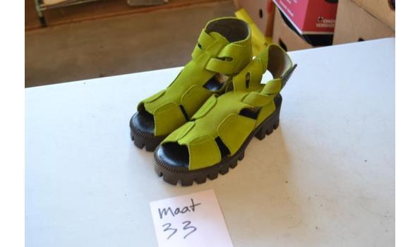 groene sandalen maat 33