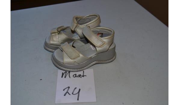zilveren kinder sandalen maat 32