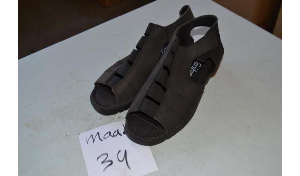 zwarte kinder sandalen maat 34