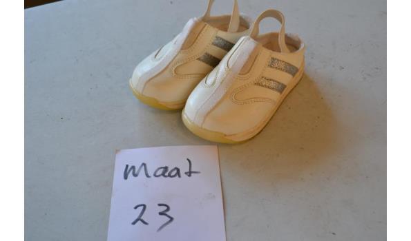 kinderschoenen maat 23