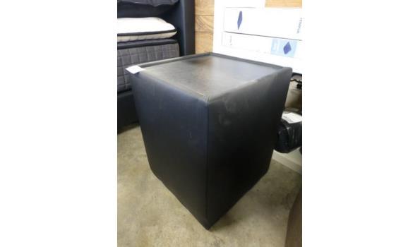 Nachtkastje zwart skyleer