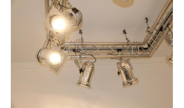 truss met verlichting 7 verstelbare spots