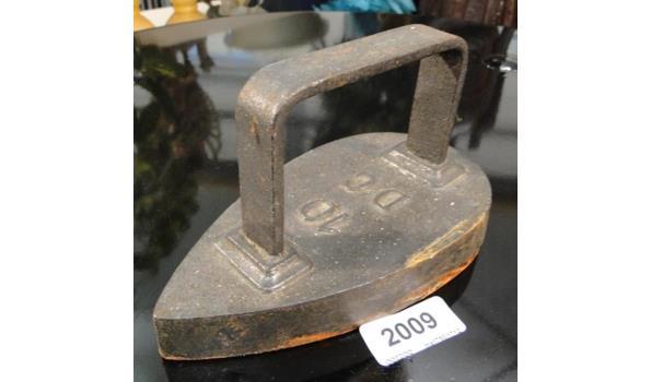 Antiek strijkijzer