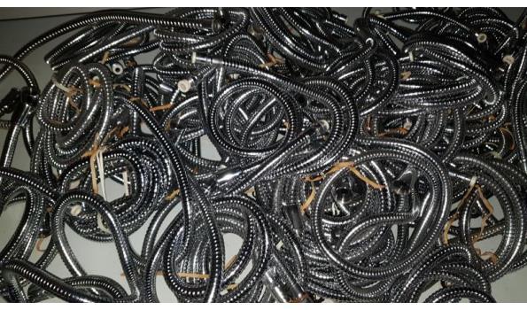 partij douche slangen rvs circa 70 stuks