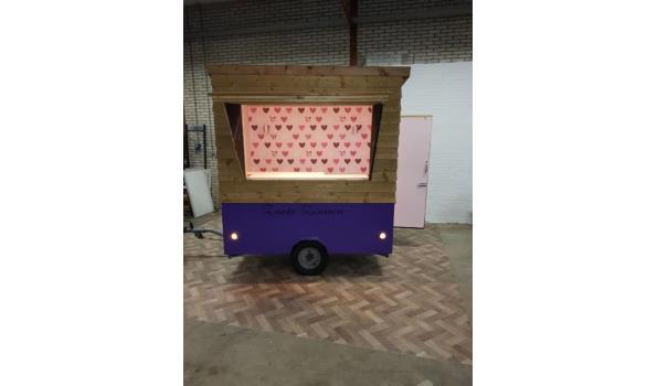 vrolijke verkoopwagen te koop