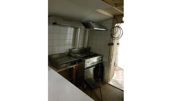 foodwagen met dubbele frituur en bakplaat