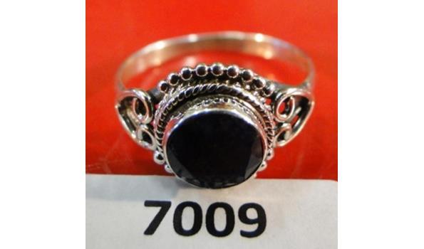 Zilveren ring maat 56