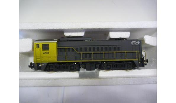 diesellok 2268 geel
