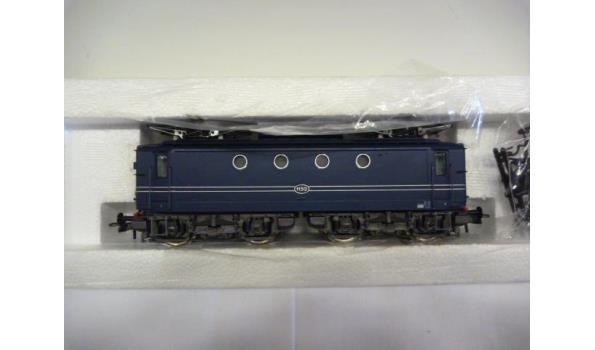 E-lok serie br 1100  nr 1152 blauw