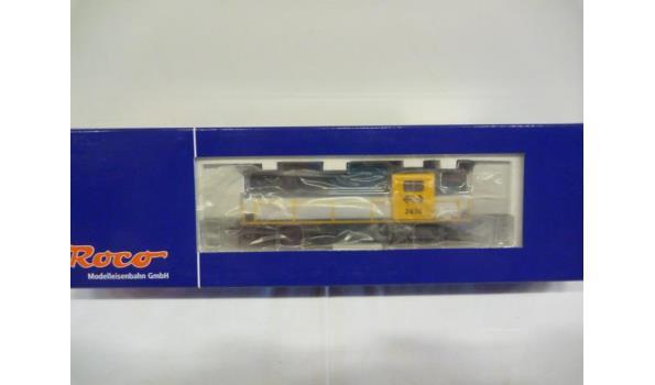 diesellok serie 2000 nr 2439 geel/grijs