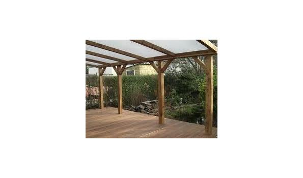 Geïmpregneerde houten onderbouw voor veranda