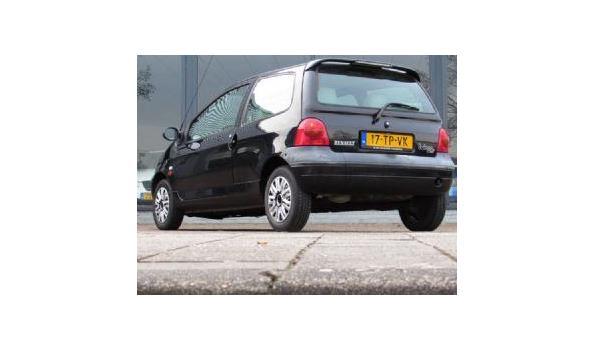 Renault Twingo 1.2 `Matic Benzine Bj. 2000 Kenteken 17TPVK