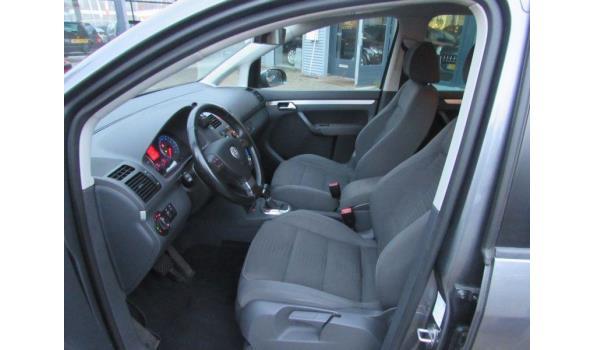 Volkswagen Touran 2.0 TDI 125KW 170PK DSG Highline BJ2007 Kenteken 72TXDG