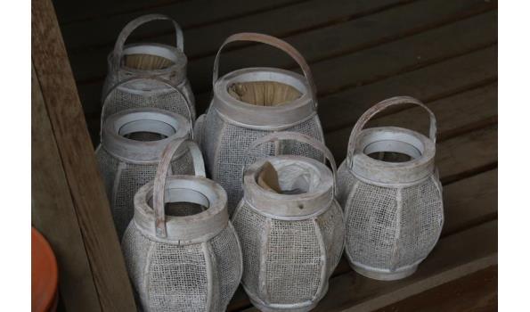 Diverse decoratie o.a. lantaarns geschikt voor theelichten