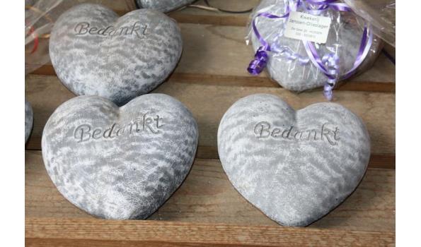 Stenen harten met tekst bedankt