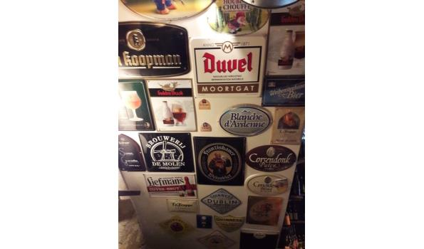 Emaillen bierbordjes
