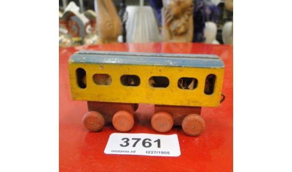 Houten treinwagon
