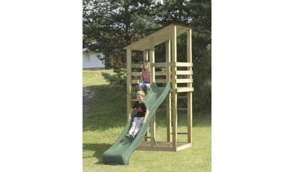 Speeltoren met glijbaan