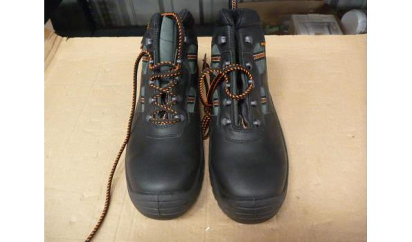Werkschoenen Hoog.1 Paar Werkschoenen Hoog Proveiling Nl