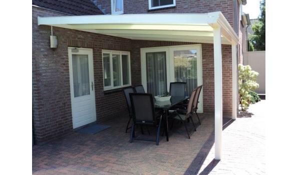 Veranda aluminium RAL 9001/9016/7016 met polycarbonaatplaten Helder of Opaal 16 mm dik