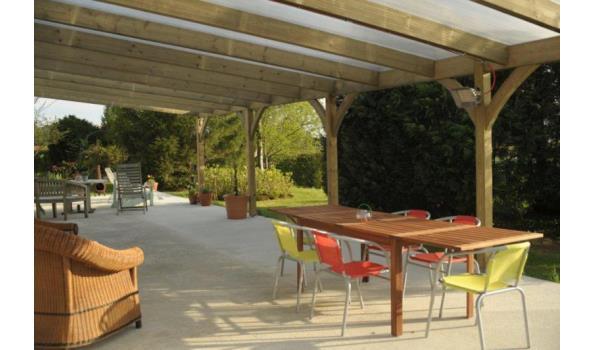 Douglass  houten onderbouw voor veranda en veranda dak met Pergolux polycarbonaat 16 mm dik Helder