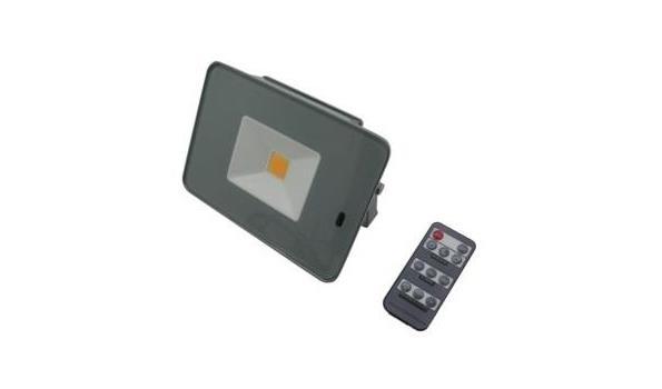 Ledstraler Flat, met sensor en afstandbediening 20 Watt 8 stuks