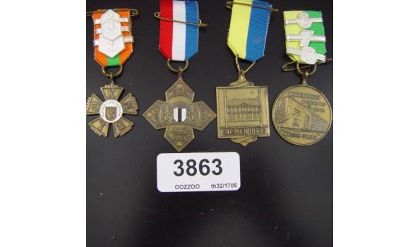 4 Medailles