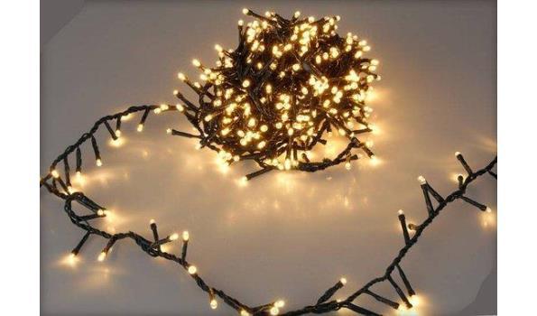 Kerst verlichting 240 lamps Led voor binnen en buiten warmwit 2x