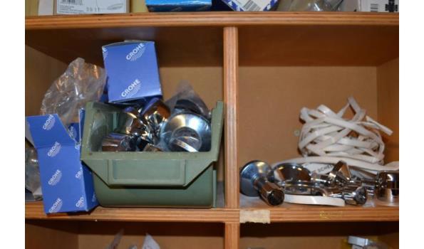 Diversen o.a. schuurpapier en Grohe onderdelen