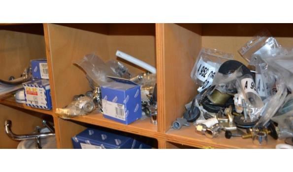 Diversen o.a. Grohe kranen en onderdelen