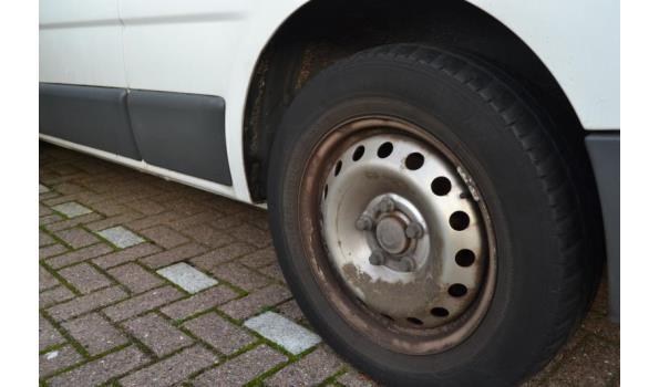 Opel Vivaro-2 2.5CDTI