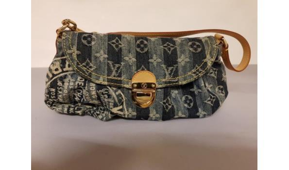 4bd86985e2a ... Louis Vuitton Schoudertasje Mini Pleaty Raye in monogram denim