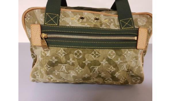 b16ae1d8aa1 ... Louis Vuitton Limited Edition Schoudertas Jasmine in Monogramouflage  Denim