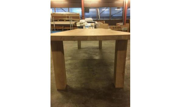 Eiken tafel met moderne poten, 240 x 100 cm