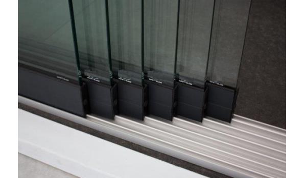 Glazen schuifdeursysteem 6 deurs, veiligheidsglas 10 mm, 5880mm breed, 2400mm hoog, antraciet structuur, RAL7016S