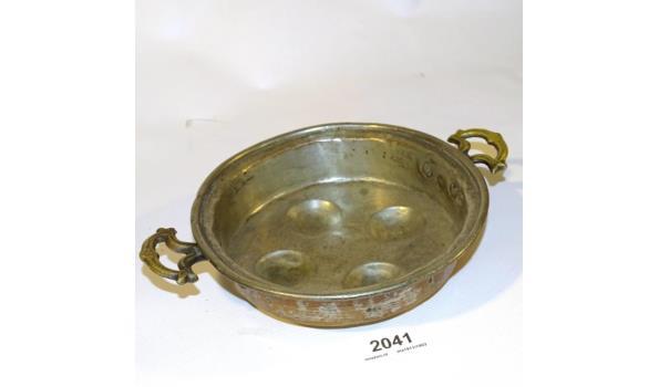 Antieke koperen evenveeltjes pan