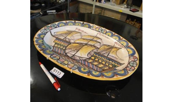 Italiaans aardewerk schotel met Driemaster