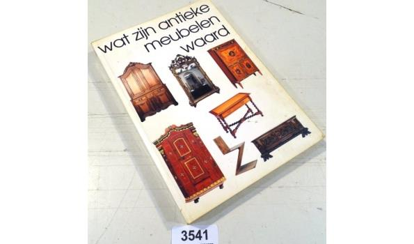 Wat zijn antieke meubelen waard