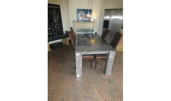 Paradiso Granieten tafel met inwendig stalen frame