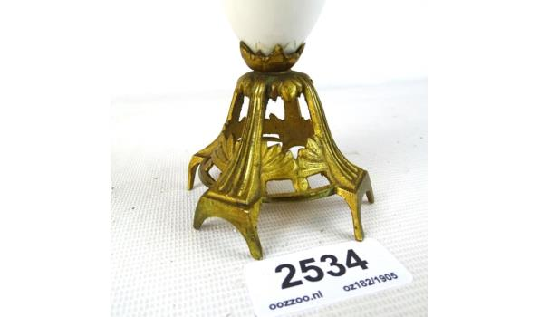 Antieke vaas afgewerkt met brons