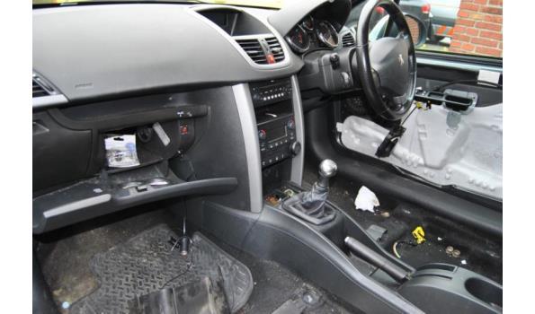 Peugeot 207 grijs Engels kenteken