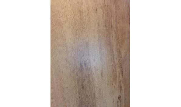 Laminaat vloer eiken design 61,35 m2, 21 pak met ondervloer