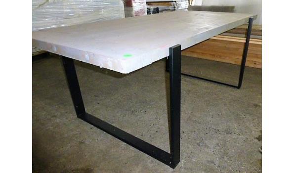 Tafel, showmodel, grey washed, met zwart metalen onderstel