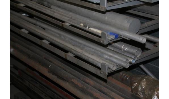 Partij diverse buizen o.a. RVS, staal & metaal