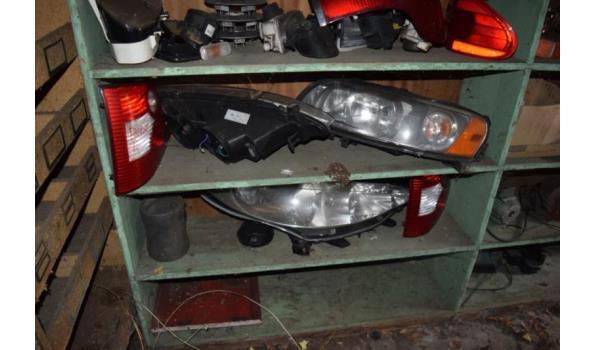 Partij diverse auto-onderdelen o.a. schokbrekers, kop en achterlampen