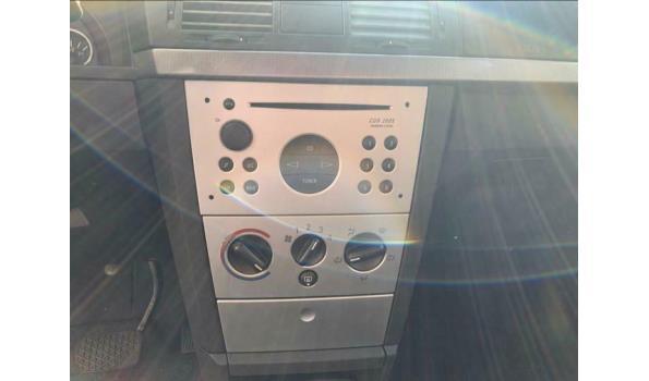 Zeer nette Opel Meriva 1.6 16V Easytronic uit 2003