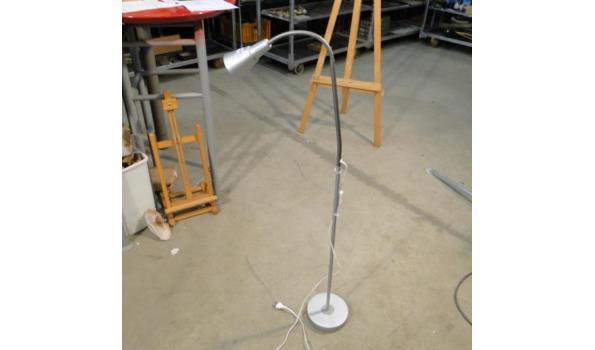 Aluminium leeslamp. Verstelbaar