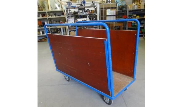 Platen/tapijten kar op zware industriewielen